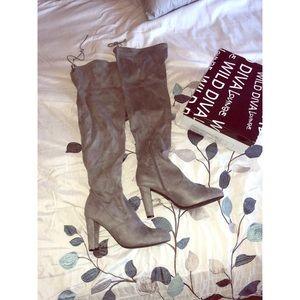 Wild Diva Lounge OTK Gray V Suede Boots. Size 10